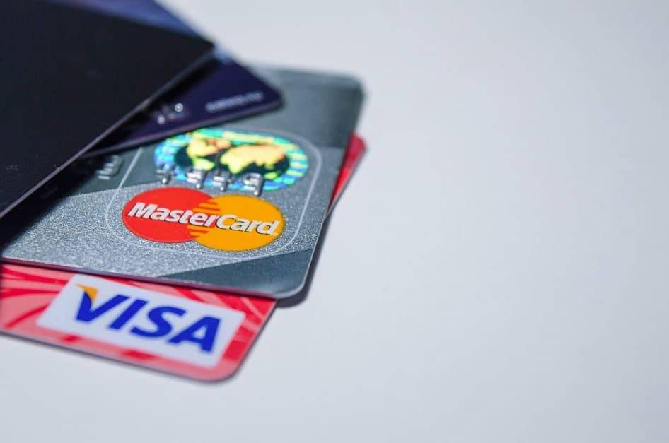 Visa e Mastercard precisam adotar Criptomoedas para permanecer no negócio