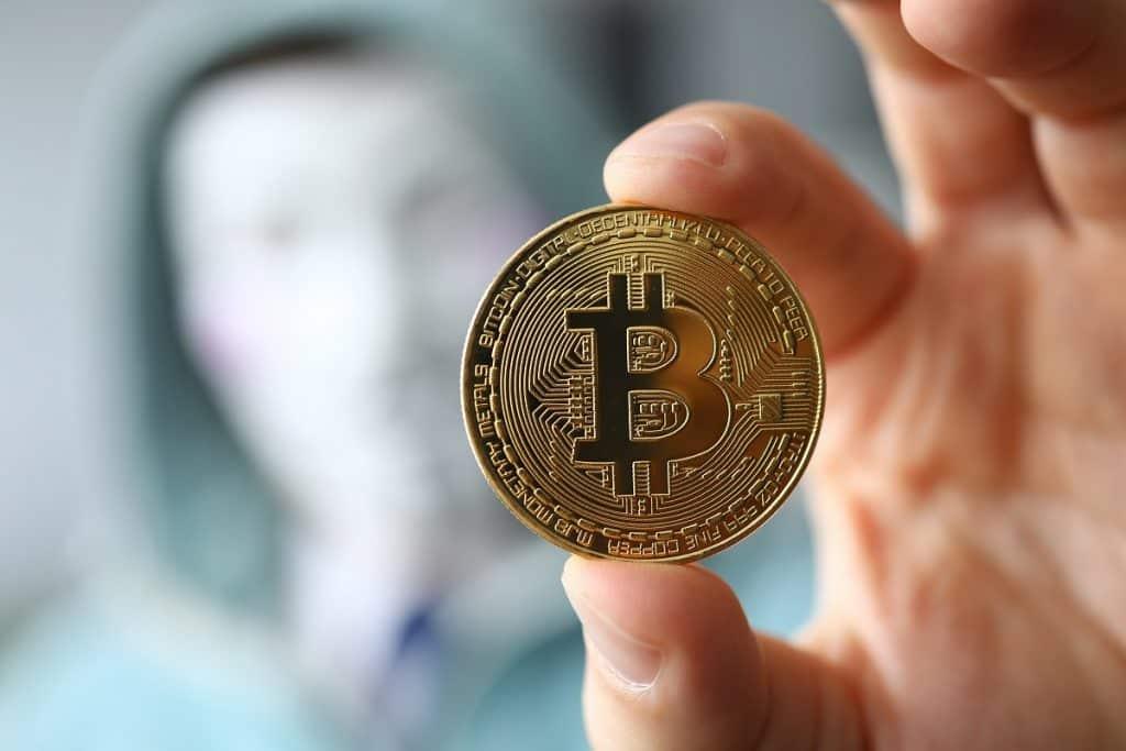 Hacker por trás do roubo de 1.400 BTC na carteira Electrum aparece na Binance