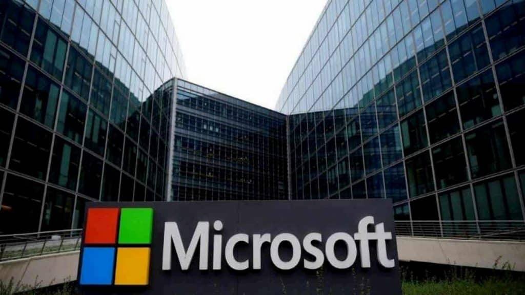 Funcionário da Microsoft condenado a 9 anos por fraude fiscal com Bitcoin