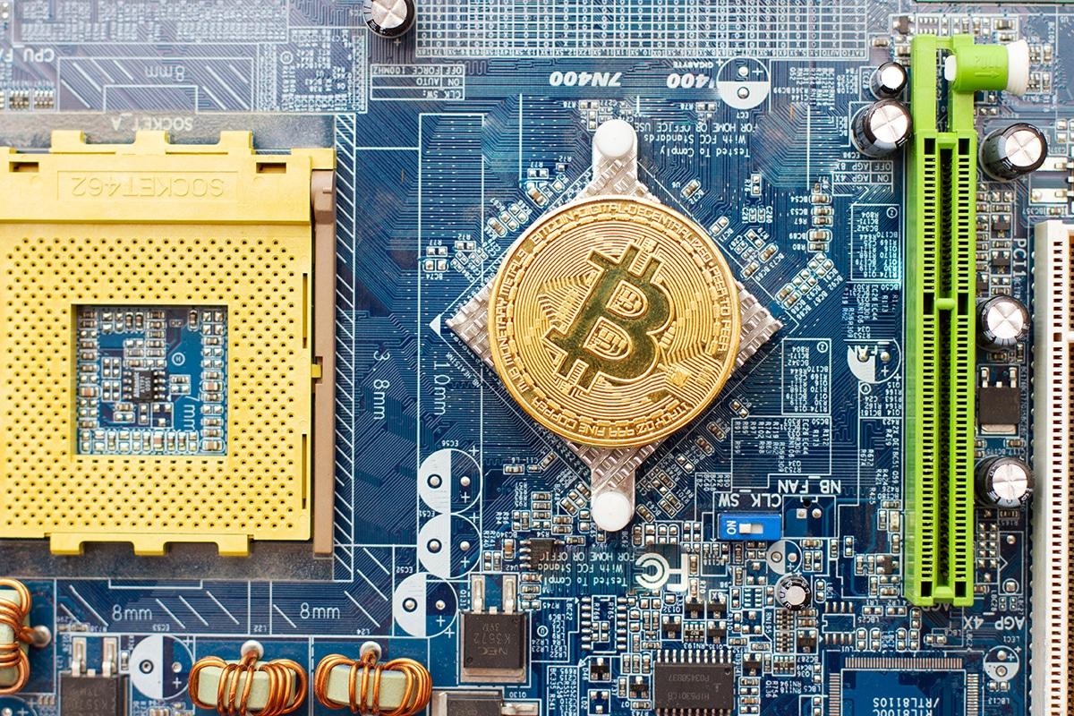 Riot Blockchain compra 15K Bitmain Antminers