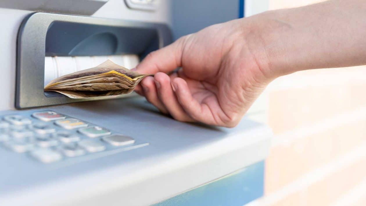 Banco da China testa moeda digital em caixas eletrônicos.