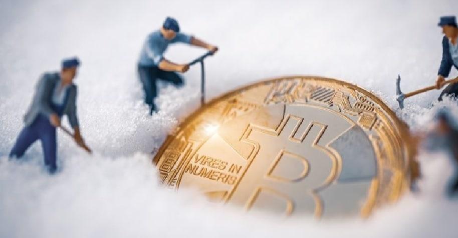 Produtor de petróleo cria uma fazenda de mineração de Bitcoin na Sibéria.