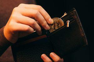 Bitstamp impõe KYC para comerciantes
