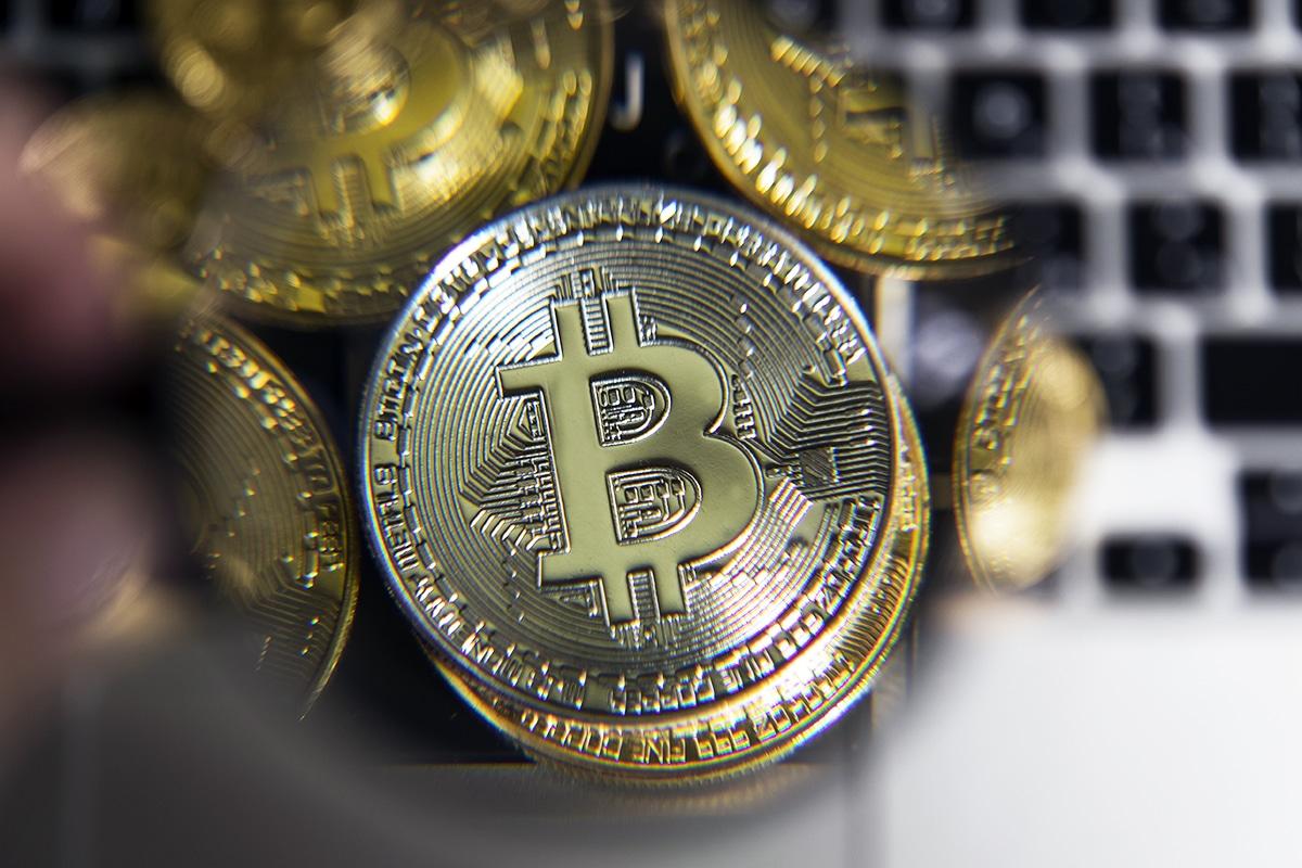 1 Bitcoin valerá um Lambo em 2022 e um Bugatti em 2023