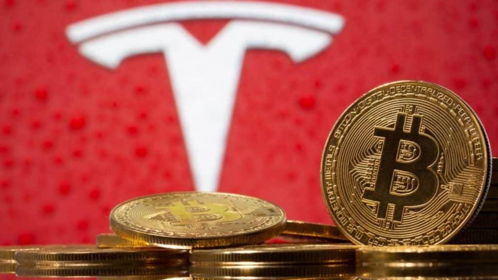 Bitcoin sobe depois que Tesla renova seu compromisso com a criptomoeda