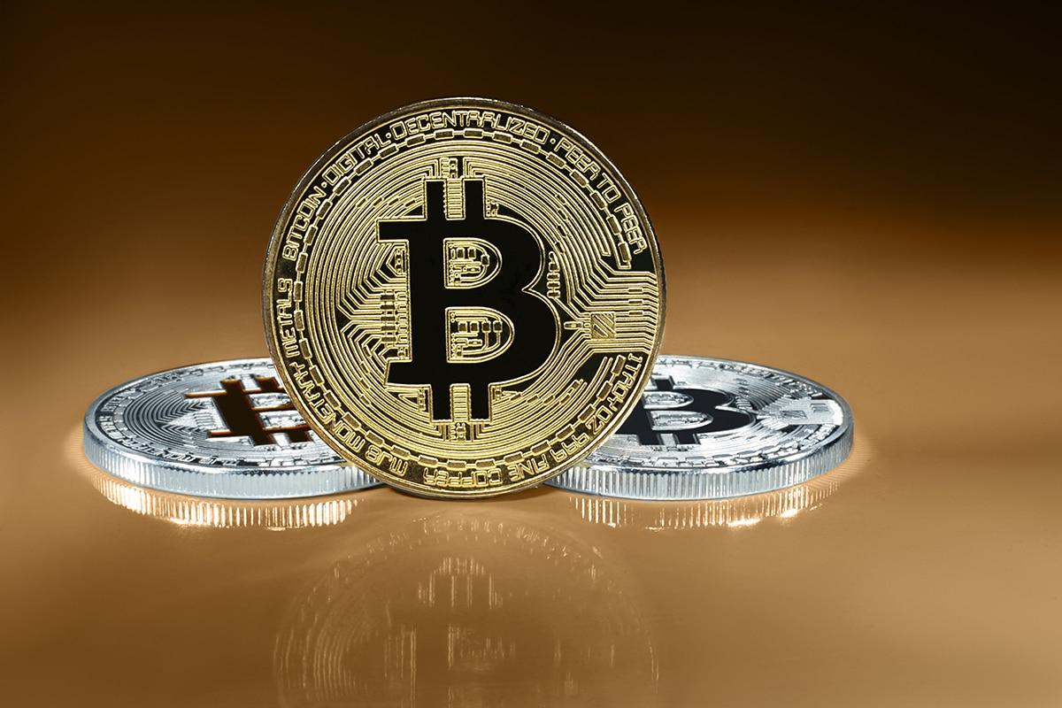 """Bitcoin é o rei das criptomoedas e está aqui para ficar"""