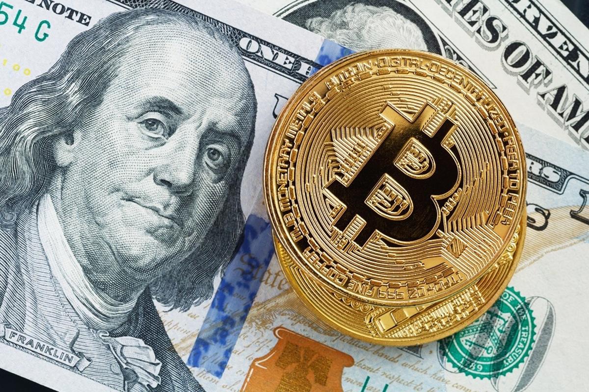 Trump chama Bitcoin de fraude e defende dólar