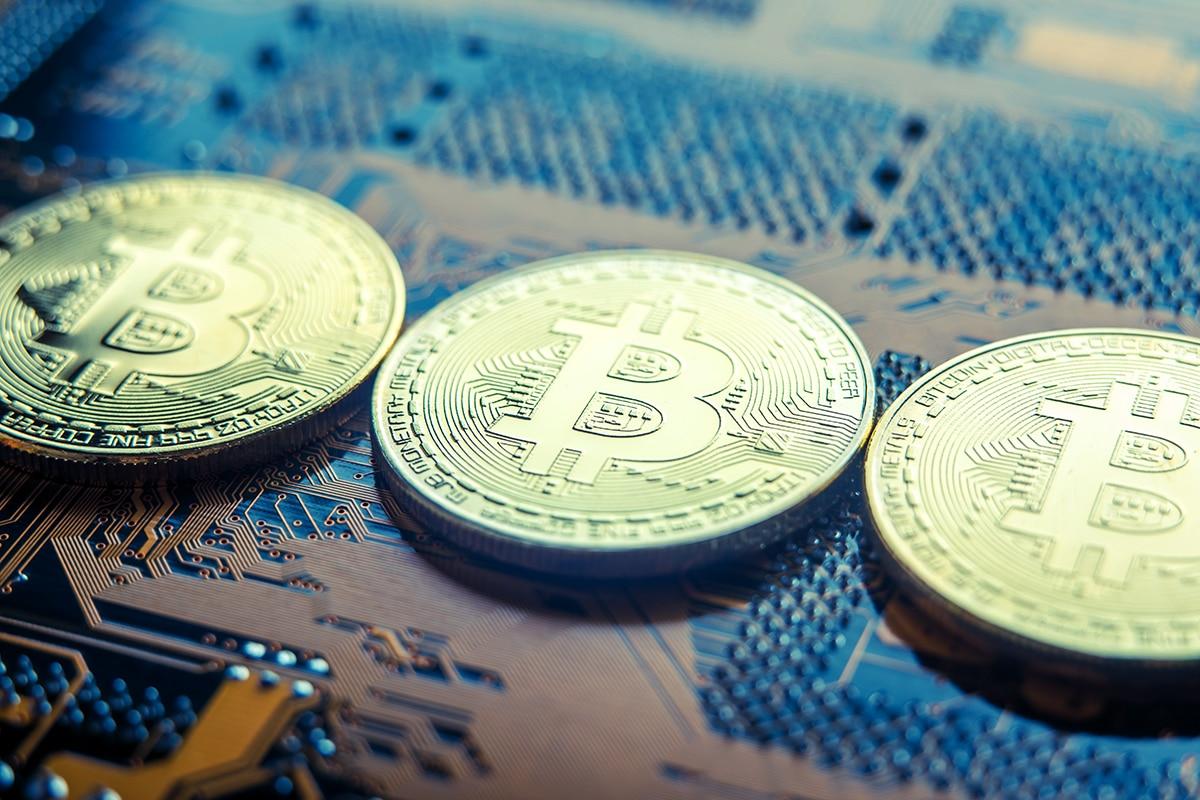 Descoberta de mineradores de Bitcoin ilegais no porão